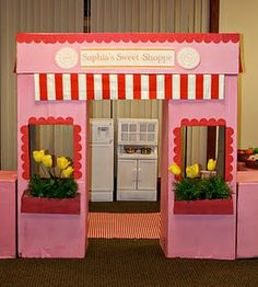 Such an adorable idea. I can envision setting up the inside with all kinds of sweet imaginary snacks!