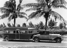 Good old Camping trip ! Vintage Rv, Vintage Caravans, Vintage Travel Trailers, Vintage Campers, Vintage Photos, Car Camper, Camper Caravan, Camper Trailers, Camper Life