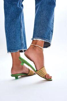 By Far's kitten heel sandals. Kitten Heels Outfit, Kitten Heel Sandals, Spring Work Outfits, Spring Outfits Women, Womens Fashion For Work, Women's Summer Fashion, Women's Fashion, Fashion Outfits, 90s Shoes