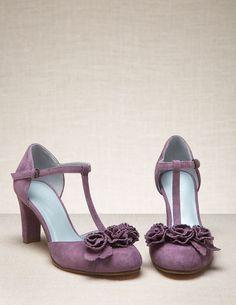16aa0af1387 36 Best Wedding Dresses and Shoes images