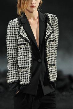 Chanel Fall 2011 RTW (Sasha)