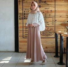 Kebaya Hijab, Kebaya Dress, Kebaya Muslim, Batik Fashion, Abaya Fashion, Muslim Fashion, Dress Muslim Modern, Hijab Prom Dress, Fashion Muslimah