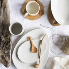 Attia's collection of nature inspired tableware features a minimalistic style with pieces bearing the mix of shades characteristic of natural wood.