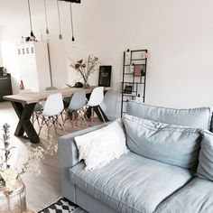 Binnenkijken bij Lucienne - My Simply Special Living Room Interior, Living Room Decor, Living Spaces, Modern Home Interior Design, Interior Styling, Scandinavian Living, Living Room Inspiration, Sweet Home, House