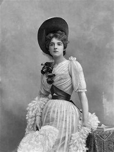 Clara Ward, princesse de Caraman Chimay. Nadar.