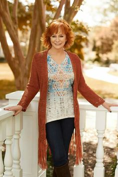 Country Female Singers, Country Music Singers, Country Artists, Corbin Bleu, Hair Styles For Women Over 50, Reba Mcentire, Loretta Lynn, Country Women, Country Music Stars