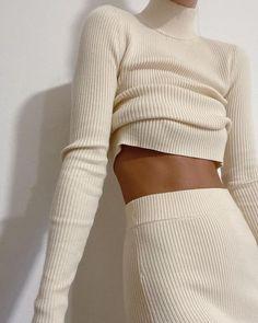 Minimal Chic 533254412134061567 - Seala Sweater Source by wheretoget Look Fashion, Winter Fashion, Fashion Outfits, Womens Fashion, Fashion Tips, Fashion Trends, Travel Outfits, Fashion Hacks, High Fashion Style
