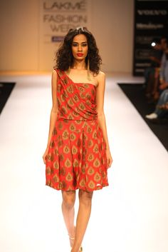 Famous by Payal Kapoor, Lakme Fashion Week W/F 2012... the first (and best) dress down the runway