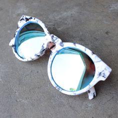 quay australia - high emotions sunglasses - white marble/blue - shophearts - 1
