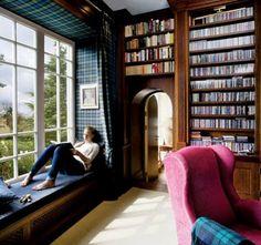 Reading space- love the use of tartans und am Fenster der Bibliothek ist eine breite Fensterbank mit kisseb yay