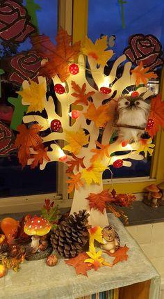 Autumn Crafts, Nature Crafts, Fall Preschool, Preschool Activities, Autumn Decorating, Fall Decor, Felt Crafts, Paper Crafts, Autumn Room