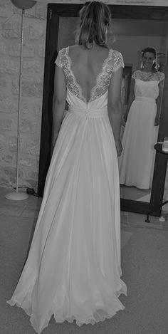 robe de mariée de créateur décolté dos dentelle de Calais