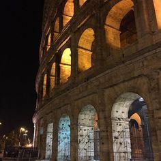 #colosseo #Roma #rome #nofilter #serataromana #it #italy #italia #anfiteatroflavio #love #loveit #iloverome #cittaeterna #comefareanonamarla #ilpostopiubellodelmondo #voglioviverequi  #happy #happiness #amoroma