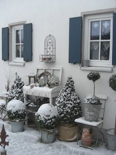 So beautiful with the snow cover!  Not possible in So. Cal...  Landliebe