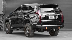 Mitsubishi Pajero Sport, Montero Sport, Bull Bar, Wings Design, Rottweiler Dog, Mitsubishi Outlander, Fender Flares, Cadillac Escalade, Surface Finish