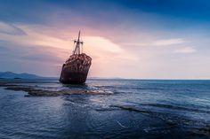 #shipwreck #seascape #abandoned #sea #sunset #greece #peloponnes #gytheio #Ελλαδα #Γυθειο