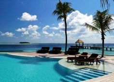 Book your dream holiday at the Komandoo Island Resort & Spa, Maldives and expect a warm welcome with Tropical Sky. Maldives Destinations, Maldives Luxury Resorts, Maldives Beach, Visit Maldives, Hotels And Resorts, Most Romantic Places, Beautiful Places, Maldives Holidays, Paradise On Earth