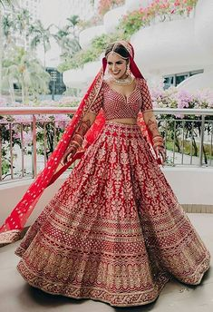 It's time to ditch the age-old traditional red lehenga and go for lehenga colours that express your individuality! Latest Bridal Lehenga, Designer Bridal Lehenga, Indian Bridal Lehenga, Pakistani Bridal, Indian Bridal Outfits, Indian Bridal Fashion, Indian Bridal Wear, Wedding Lehenga Designs, Lehenga Designs Latest