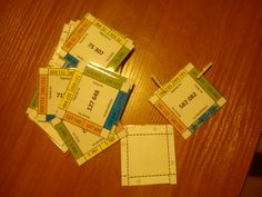 Kolíčkové karty na zaokrouhlování čísel s kontrolou Homeschool, Card Holder, Wallet, Rolodex, Homeschooling, Purses, Diy Wallet, Purse