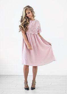 Pink Crochet Midi Dress, JessaKae, Womens Fashion, Womens Style, Pink, Lace, Detail, Short Sleeve, Spring, Style, Fashion, Blonde, Hair, Makeup, Midi