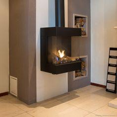 Een uniek verschijnsel! Contemporary Gas Fireplace, Freestanding Fireplace, Sofa Design, Furniture Design, Coal Stove, Home Fireplace, Fireplaces, Classic Living Room, Log Burner