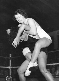 Mildred Burke vs Mae Weston