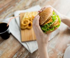Should you take a cheat day when you're on a challenging diet? A cheat day diet can have pros and cons. Dog Food Recipes, Soup Recipes, Diet Recipes, Calorie Intake, Calorie Diet, High Carb Foods, Burger And Fries, Healthy Cat Treats, Cheat Meal