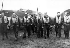 The 303 Polish Fighter Squadron In The Battle Of Britain A group of pilots of No 303 Polish Fighter Squadron RAF walking toward the camera from a. Ww2 Aircraft, Fighter Aircraft, Martin Luther King, Grace Kelly, Colorized Historical Photos, Poland Ww2, Poland History, Hawker Hurricane, History Online