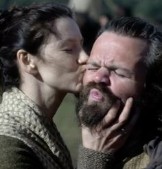 "This ""Outlander"" Sneak Peek Shows Two Beloved Characters Return Outlander Season 2, Outlander Book Series, Outlander 3, Outlander Casting, Sam Heughan Outlander, Claire Fraser, Jamie Fraser"