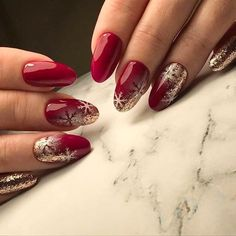 What Christmas manicure to choose for a festive mood - My Nails Christmas Nail Art Designs, Winter Nail Designs, Winter Nail Art, Winter Nails, Christmas Design, Xmas Nails, Holiday Nails, Red Nails, Christmas Nails 2019