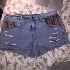 Free People Jean Shorts Jean shorts with colorful print Free People Shorts Jean Shorts