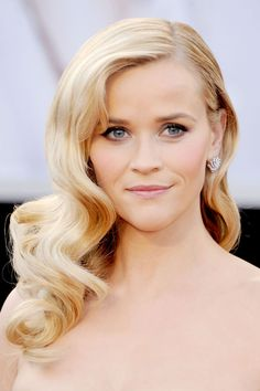 The Best Blondes in Hollywood - Reese Witherspoon - Champagne Blonde