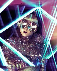Bedazzling Futuristic Fashion - The Vice German 'Weltraumober' Editorial Stars Elizaveta Porodina (GALLERY) Foto Fashion, High Fashion, Fashion Goth, Trendy Fashion, Space Fashion, Cyberpunk Fashion, Metal Fashion, New Retro Wave, Steam Punk