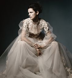 DREAM WEAVER Today's couturiers display a spellbinding artistry that's at once romantic and cutting-edge.