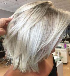 70 Devastatingly Cool Haircuts for Thin Hair, Frisuren, Disconnected White Blonde Lob. Thin Hair Styles For Women, Medium Hair Styles, Short Hair Styles, Hair Medium, Medium Brown, Blonde Lob, Brown Blonde Hair, Gray Hair, Grey Hair With Bangs