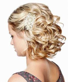 Wedding Hairstyles for Shoulder Length Hair. 34 Awesome Wedding Hairstyles for Shoulder Length Hair. 8 Wedding Hairstyle Ideas for Medium Hair Popular Haircuts Half Updo Hairstyles, Prom Hairstyles For Short Hair, Short Hair Updo, My Hairstyle, Hairstyle Ideas, Short Haircuts, Trendy Hairstyles, Hair Ideas, Updo Curly