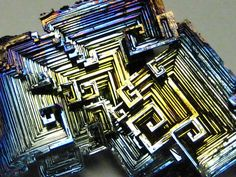 Bismuth | Bismuth (element #83 on the periodic table) forms beautifully colored ...