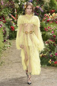See the full Spring 2018 collection from Rodarte.
