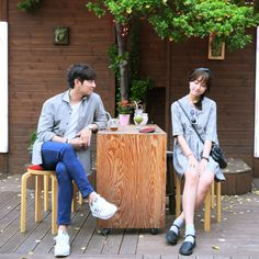 Stop starring me handsome Japanese Couple, Korean Couple, Couple Posing, Couple Shoot, Couple Ulzzang, Pose Reference Photo, Couple Aesthetic, Couple Photography Poses, Photo Couple