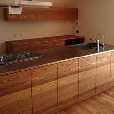 タモとステンレスのセパレートキッチン Kitchen Interior, Home Interior Design, Kitchen Design, Kitchen Living, New Kitchen, Modern Rustic Homes, Contemporary Bathrooms, Updated Kitchen, Kitchen Cupboards