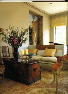 Best of John Saladino | Inspiring Interiors very pretty though a touch too formal for me.  I would need to mess it up a bit.