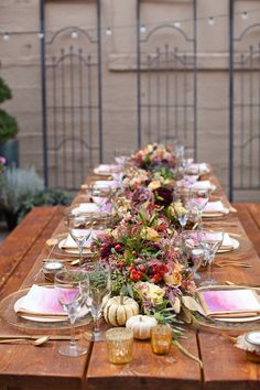 plum and gold reception tablescape // photo by UrbanRosePhoto.com