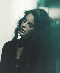 Lana Del Rey looking perfect in Ride