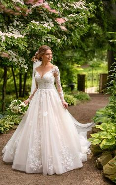 35 Best Plus Size Wedding Dresses Images In 2020 Wedding Dresses