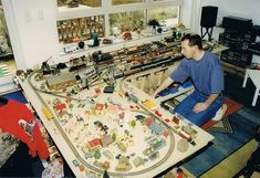 Model Railway Track Plans, Model Train Layouts, New Years Eve Party, Model Trains, Planer, Old School, How To Plan, Model Railroader, Form
