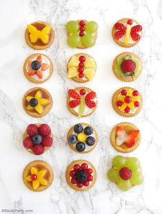 Love these quick, easy and super tasty fruit tarts! perfect for Easter Brunch appetizers, snack or Spring parties! #FamilyRITZpiration