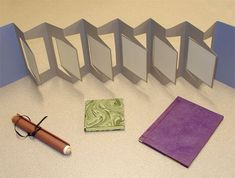 Livros Nail Polish nail polish like gel Accordian Book, Concertina Book, Accordion Fold, Pochette Photo, Tunnel Book, Homemade Books, Buch Design, Book Folding, Book Projects