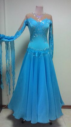 Ballroom Costumes, Latin Ballroom Dresses, Latin Dance Dresses, Ballroom Dance Dresses, Ballroom Dancing, Elegant Dresses, Pretty Dresses, Beautiful Dresses, Ice Dresses