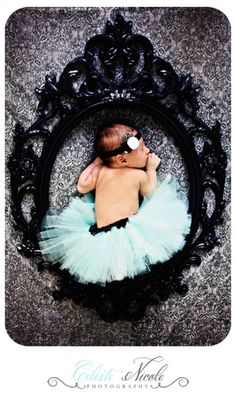 Picture frame princess <3 My baby girl! (www.celestenicolephoto.com)