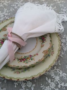 Vintage Style Place Settings For Wedding